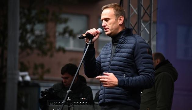 Російські лікарі заявили, що Навальний худнув перед отруєнням
