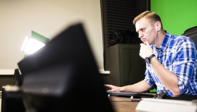 Глава зовнішньої розвідки РФ стверджує, що Навальний залишив Омськ без ознак отруєння