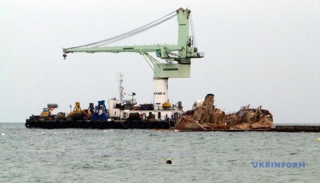 Суд наложил арест на танкер Delfi