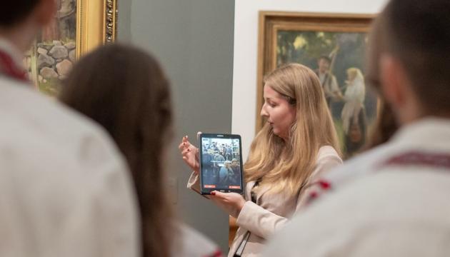 Український активіст в Латвії зробив переклад тексту аудіогіду, який запрацював в головному музеї країни