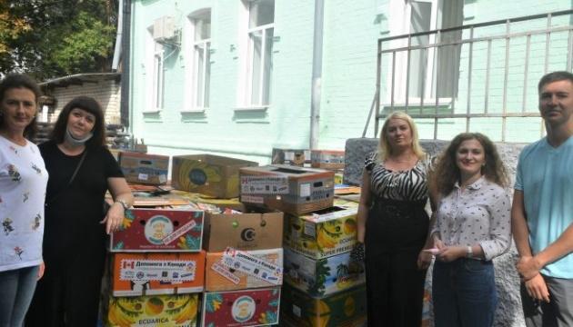 Канадська діаспора передала четверту партію допомоги для дітей Житомирщини