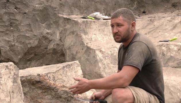Ривненские археологи раскопали древнее жилье и печь XI века