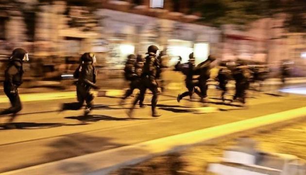 У Лейпцигу протестувальники атакували поліцейських, 9 правоохоронців поранені
