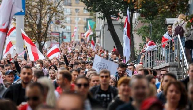 Марш единства проходит по всей Беларуси, есть задержанные
