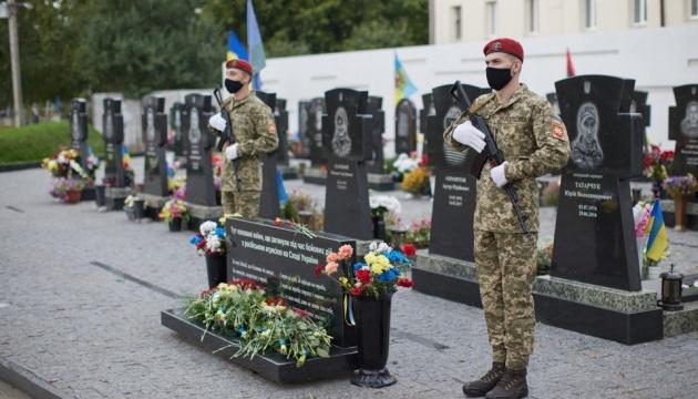 Зеленський на Сумщині відвідав меморіал героям АТО та зустрівся з ветеранами