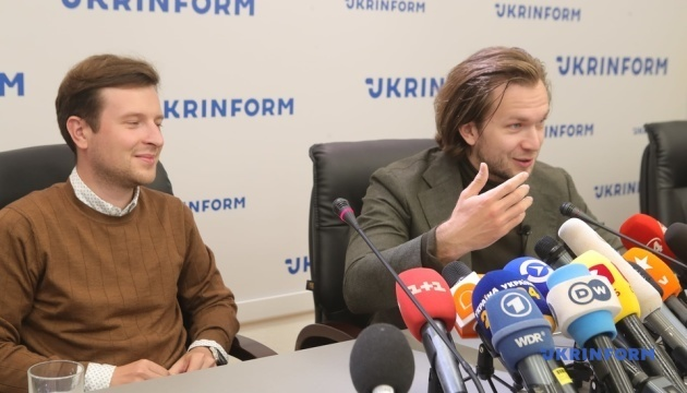 ベラルーシ治安機関職員、野党勢力メンバーに森の中で動画メッセージ録画を強制