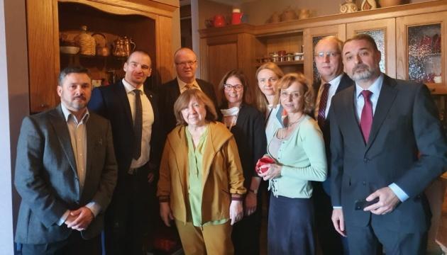 Belarus: Diplomaten wollen Nobelpreisträgerin Alexijewitsch vor Festnahme schützen