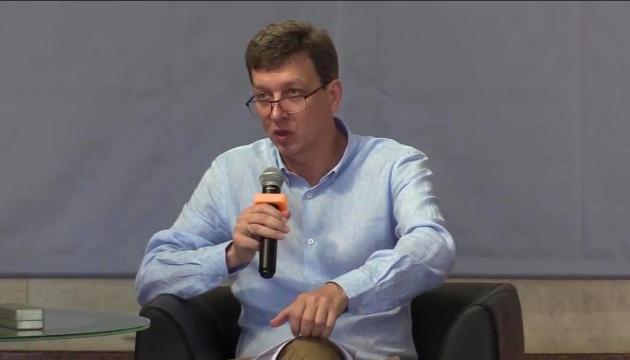 Доній назвав три базові теми національних круглих столів