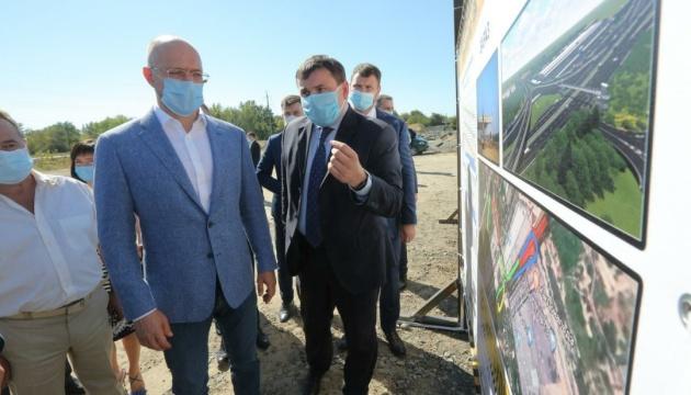На будівництво шляхопроводу в Херсоні шукають додаткові кошти - Шмигаль