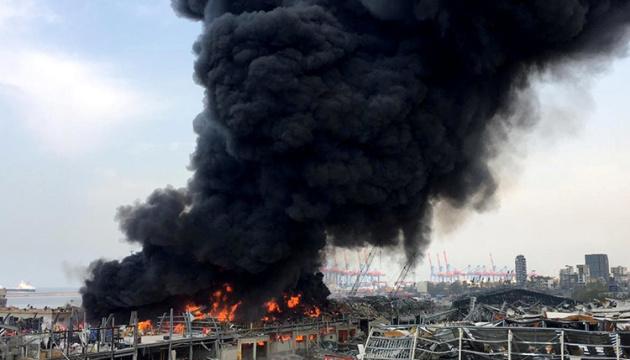 В порту Бейрута вспыхнул масштабный пожар
