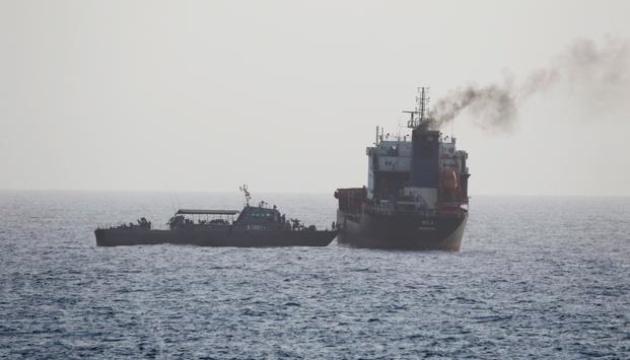 Иран начал военные учения в Ормузском проливе