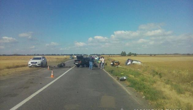 На Київщині зіткнулися три авто і мотоцикл: є загиблі й постраждалі