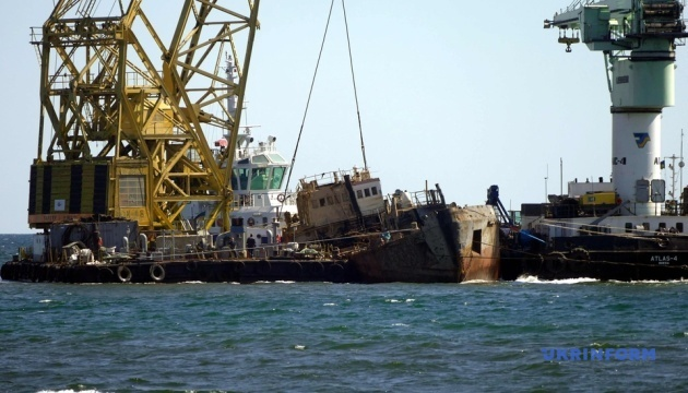 Танкер Delfi завели в нефтегавань Черноморска