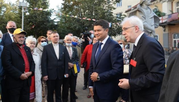 Razumkov se reúne con la comunidad ucraniana en Lituania