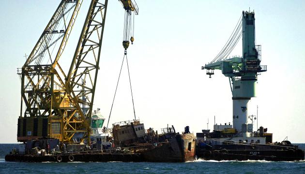Зеленский обещает назвать владельцев танкера Delfi после выборов