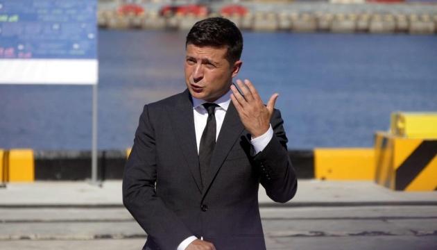ゼレンシキー大統領、自分を「ウクライナの君主」だと思っている政治家がEU査証免除取り消しを言いふらしていると発言