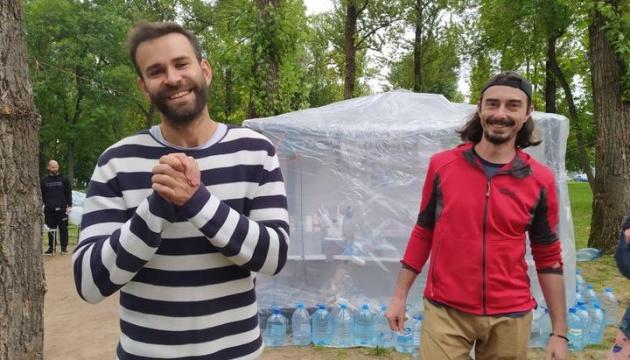 Білоруські телеведучі Кохно і Дудинський вийшли на свободу