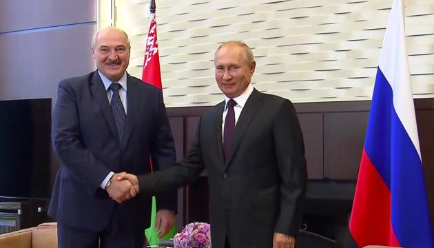 Вассал и сюзерен: Лукашенко на встрече с Путиным и после того