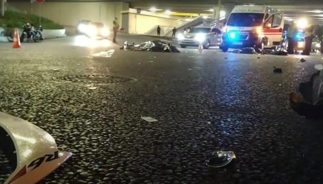 На столичному проспекті Гузара мотоцикл збив пішохода, троє загиблих