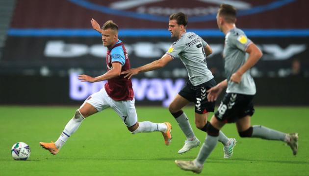 Пас Ярмоленка допоміг «Вест Гему» пройти «Чарльтон» в Кубку ліги