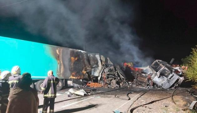 На Николаевщине столкнулись два грузовика, есть погибшие