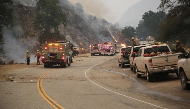 В США не утихают сильные пожары - уничтожены почти 1,8 миллиона гектаров леса