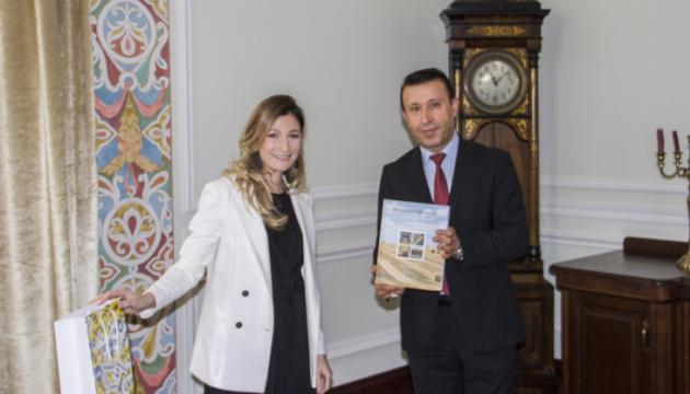 Dzhaparova: Ucrania interesada en consultas políticas con el Ministerio de Relaciones Exteriores de Irak