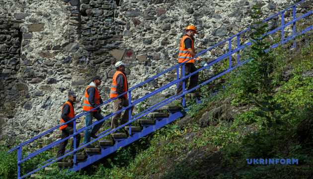 Реставрацию Невицкого замка планируется завершить к декабрю