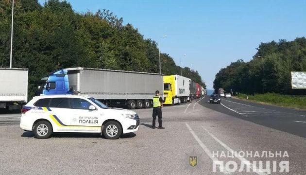 Полиция сообщает о скоплении транспорта на границе с Венгрией и Словакией