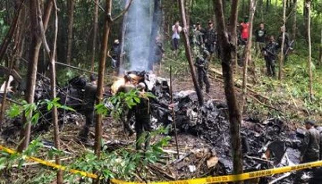 На Філіппінах розбився військовий гелікоптер, екіпаж загинув