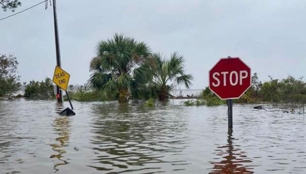 Более полумиллиона американцев остались без света из-за урагана