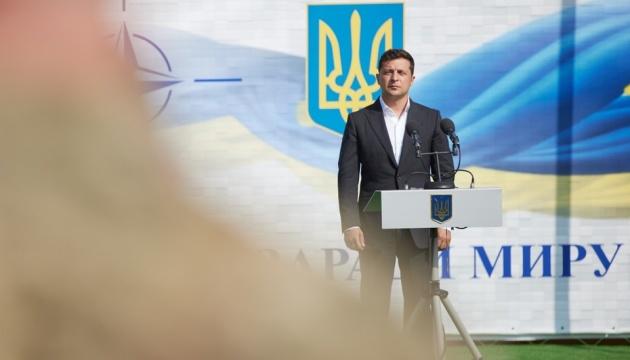 Зеленський закликав українців відповідально поставитися до місцевих виборів