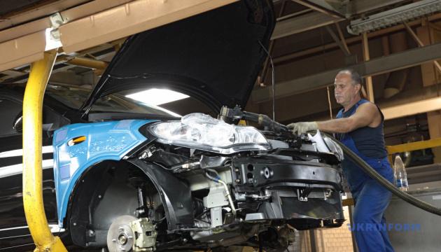 La producción de vehículos en Ucrania se reduce 5,5 veces