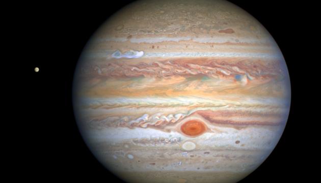 Hubble зробив знімки гігантського шторму на Юпітері