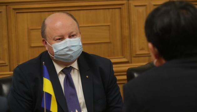 Немчінов обговорив із послом КНР прокат китайських фільмів та їх дубляж українською