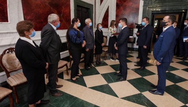 Президент дав звання Героя України солдату, смертельно пораненому біля Докучаєвська