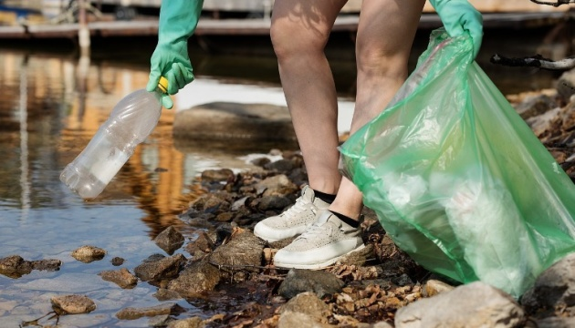 World Cleanup Day: у Дніпрі очистили косу на набережній