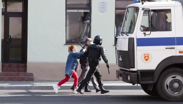 МВД Беларуси сообщает о 442 задержанных на вчерашних протестах