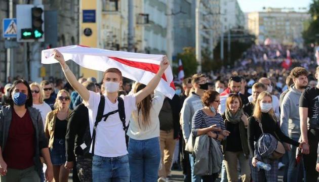 В Беларуси на активистов и участников протестов завели более 250 дел - правозащитники