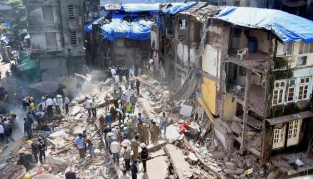 У Індії впала житлова будівля: 8 загиблих