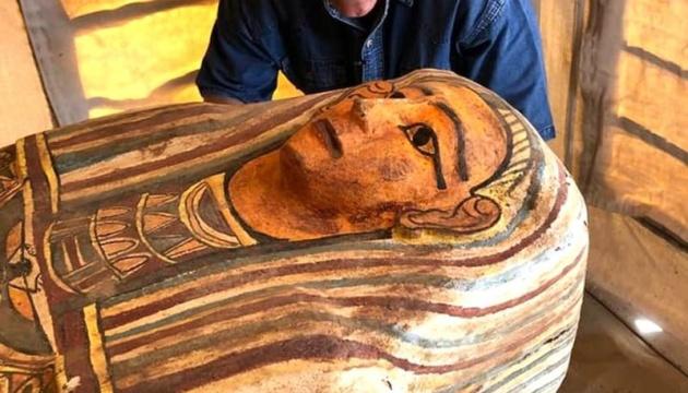 Археологи нашли в Египте саркофаги, которым 2500 лет