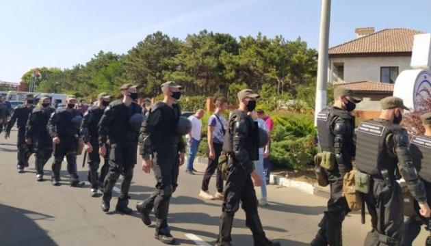 Під час зборів ОПЗЖ на Одещині сталися сутички, поліція забрала пів сотні молодиків