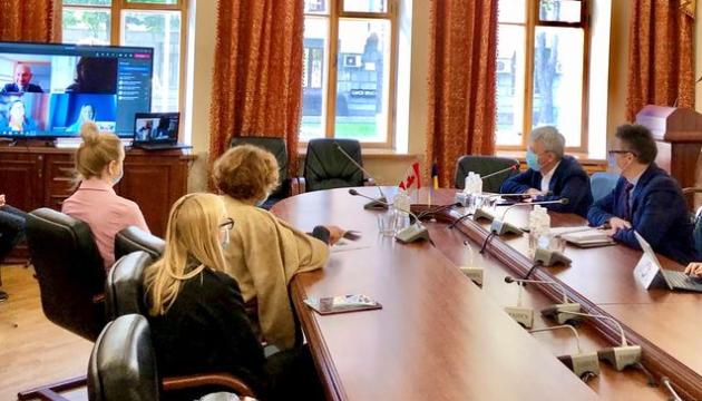 Ткаченко обсудил с послом Канады сотрудничество в сфере культуры