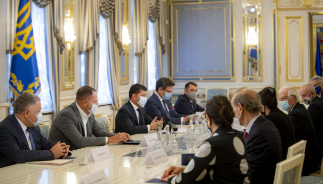 Zelensky: Ukraine wants to create negotiating platform on Crimea