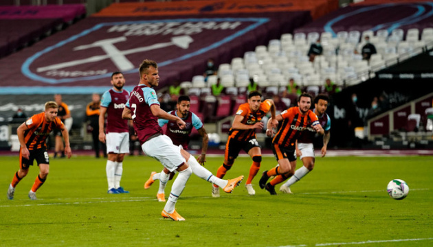 Дубль Ярмоленко помог «Вест Хэму» пройти «Халл Сити» в Кубке лиги