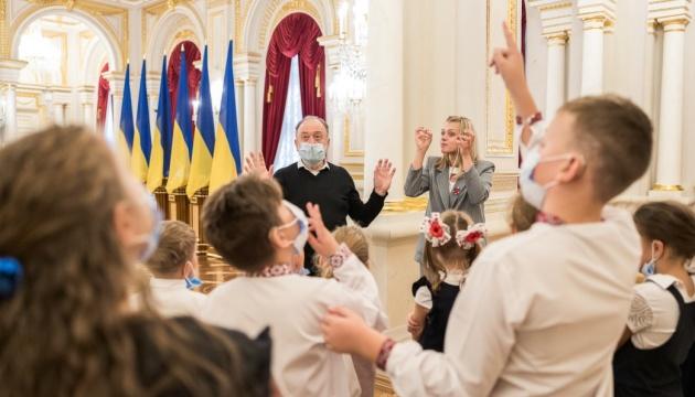 У Маріїнському палаці організували екскурсії жестовою мовою