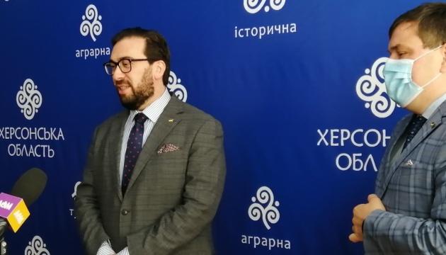 В НАТО отметили, что поддержка Украины одновременно политическая и практическая