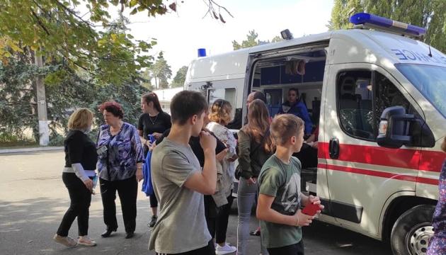"""""""Швидка"""" забрала тренера і двох студентів Олімпійського коледжу після сутичок з поліцією"""