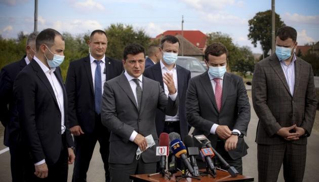 Очереди на границе: Зеленский обещает новые пункты пропуска