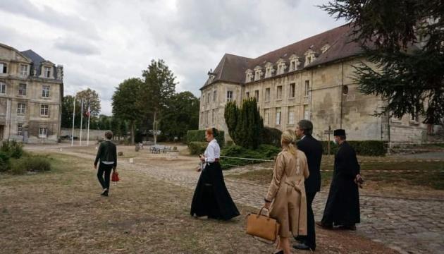 Новий посол у Франції відвідав Центр Анни Київської у Санлісі